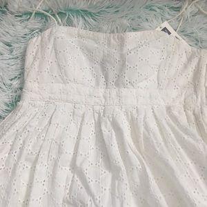 Gap Eyelet Dress in size 0